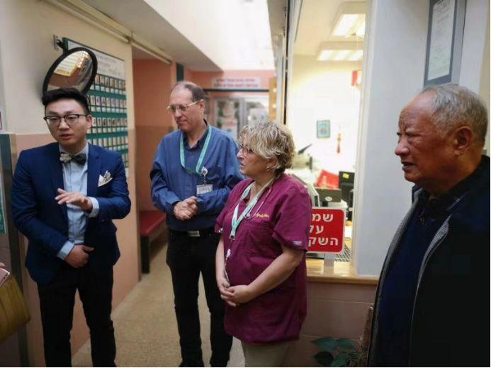 我院专家代表徐磊,与撒巴儿童医学中心专家进行儿科交流
