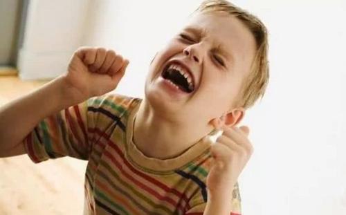 孩子乱发脾气怎么回事