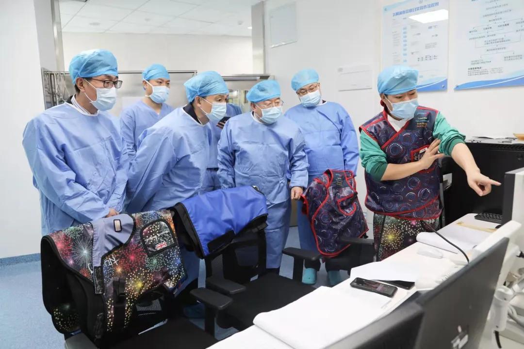 广东省卫健委主任、党组书记段宇飞一行到珠海市人民医院调研