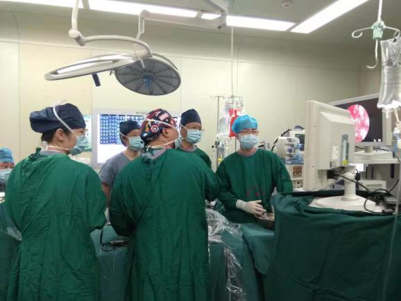 西安交大一附院耳鼻咽喉头颈外科成功完成多例经鼻内镜颅底手术